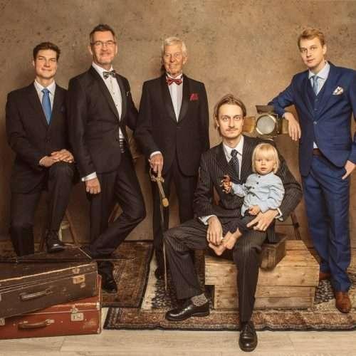 Family-portrait-by-Shanshan-Gong-Photographer-Helsinki-16