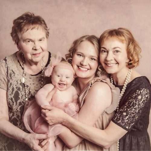 Family-portrait-by-Shanshan-Gong-Photographer-Helsinki-22