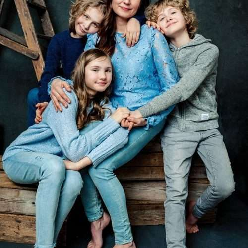 Family-portrait-by-Shanshan-Gong-Photographer-Helsinki-7
